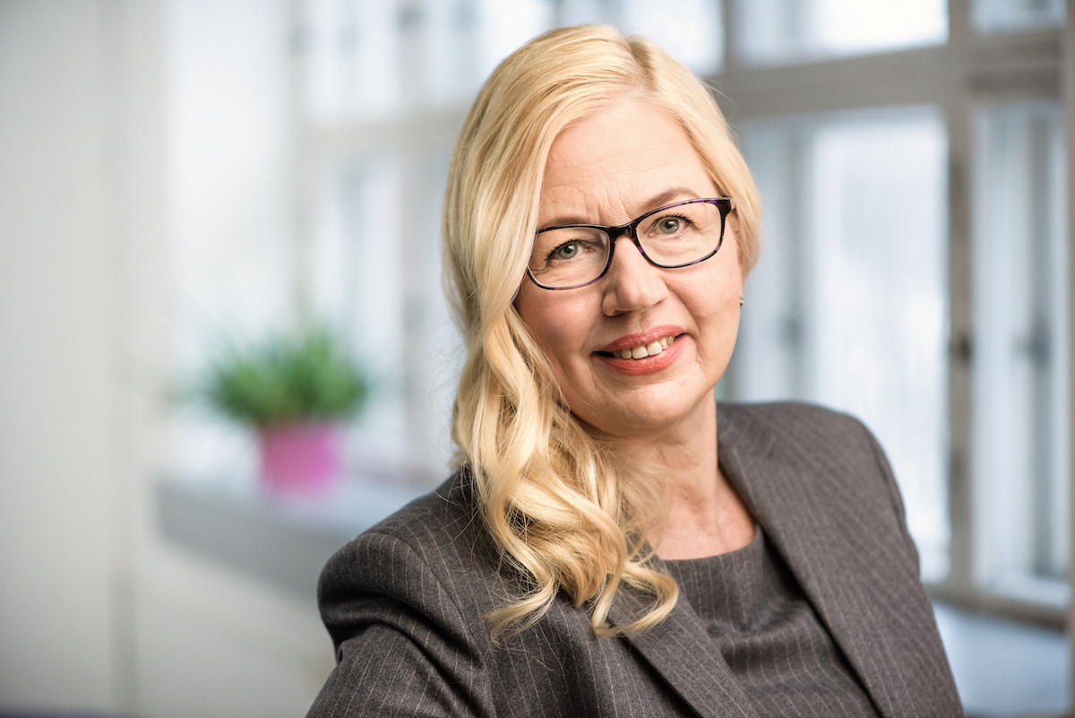 Pia Nordström : kirurgian ylilääkäri, lääketieteen tohtori