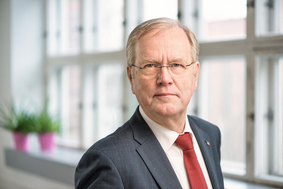 Peter Löfberg : diplomi-insinööri