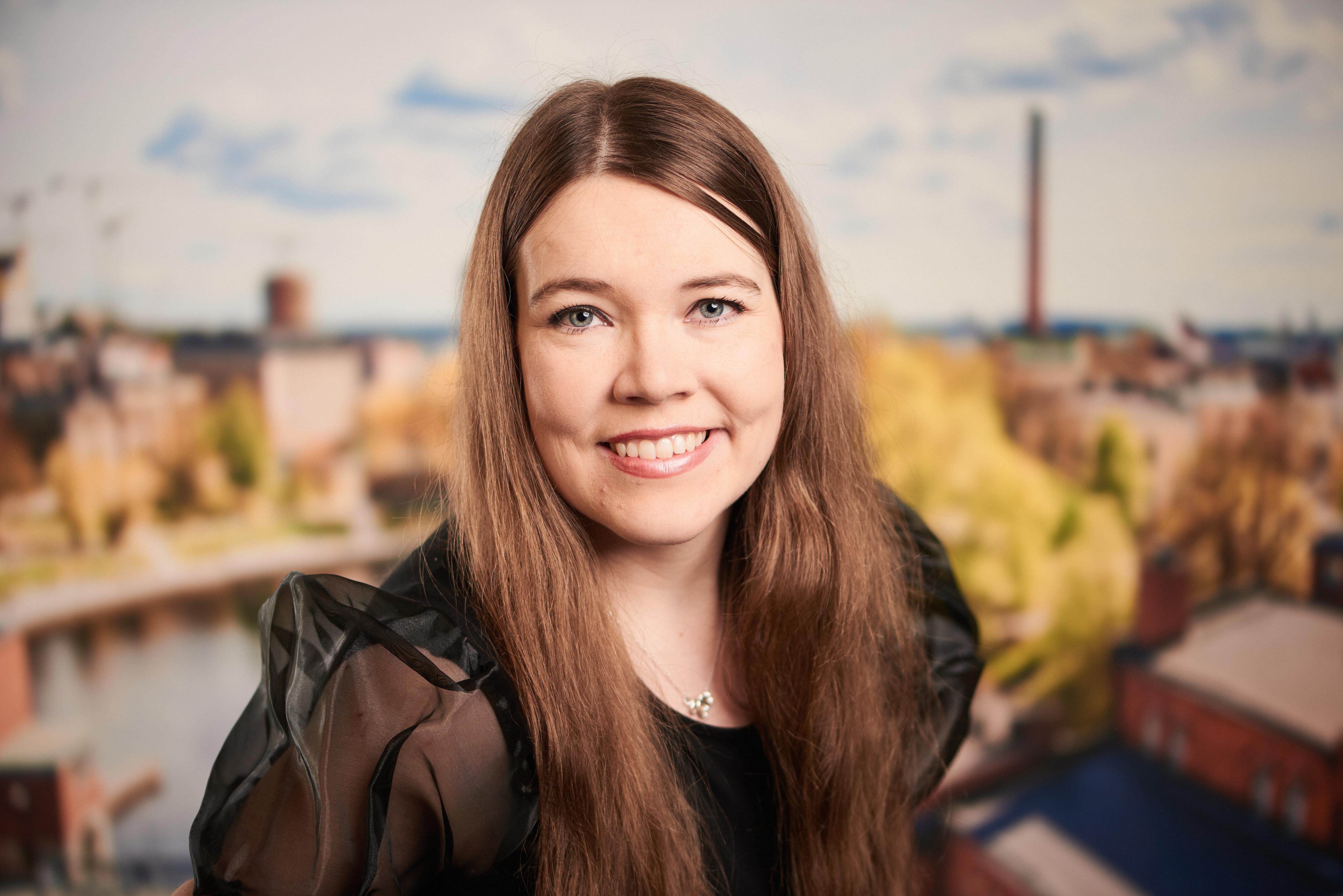 Riina-Eveliina Eskelinen : hallintotieteiden maisteri, liiketoimintapäällikkö