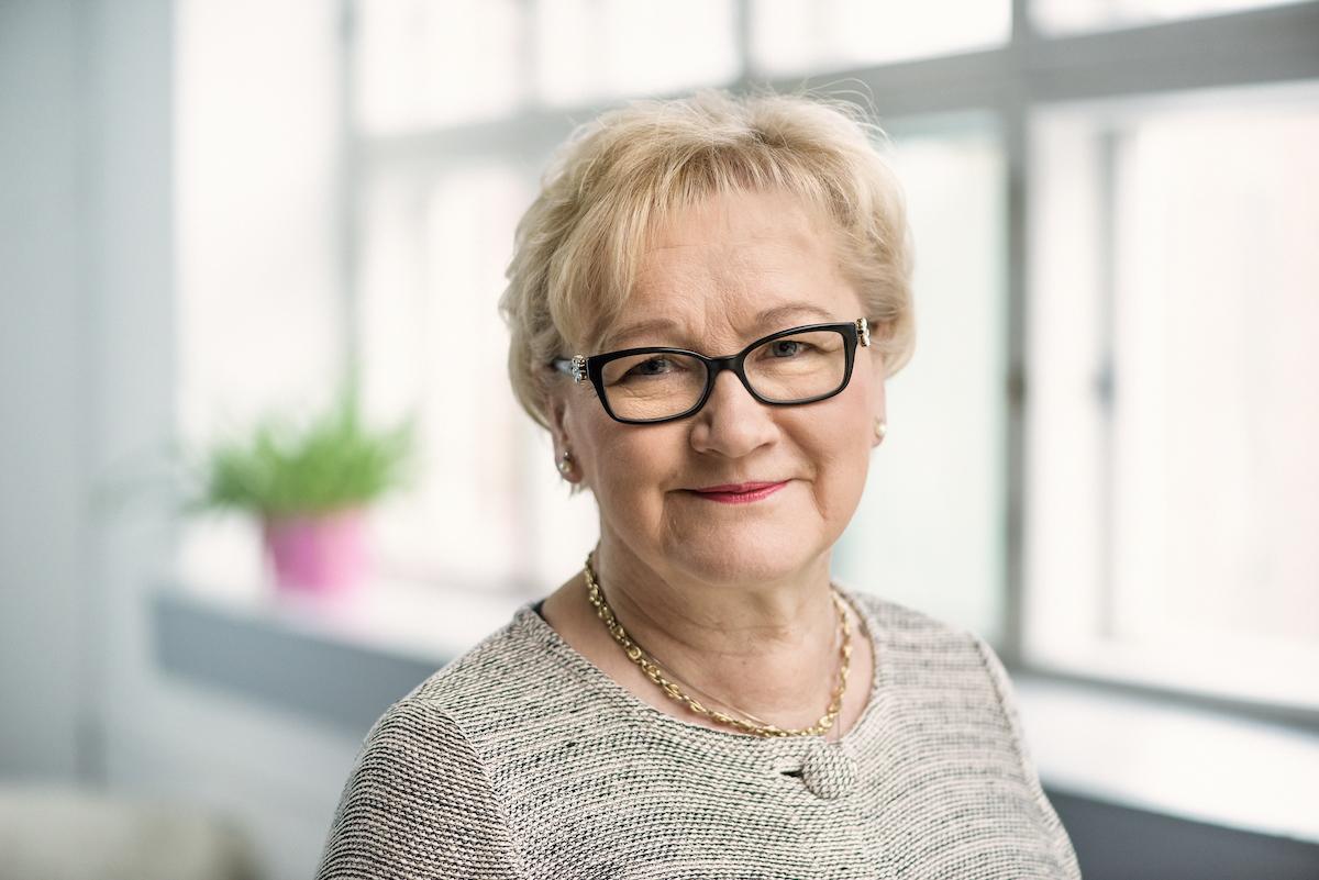 Anneli Taina : yhteiskuntatieteiden maisteri
