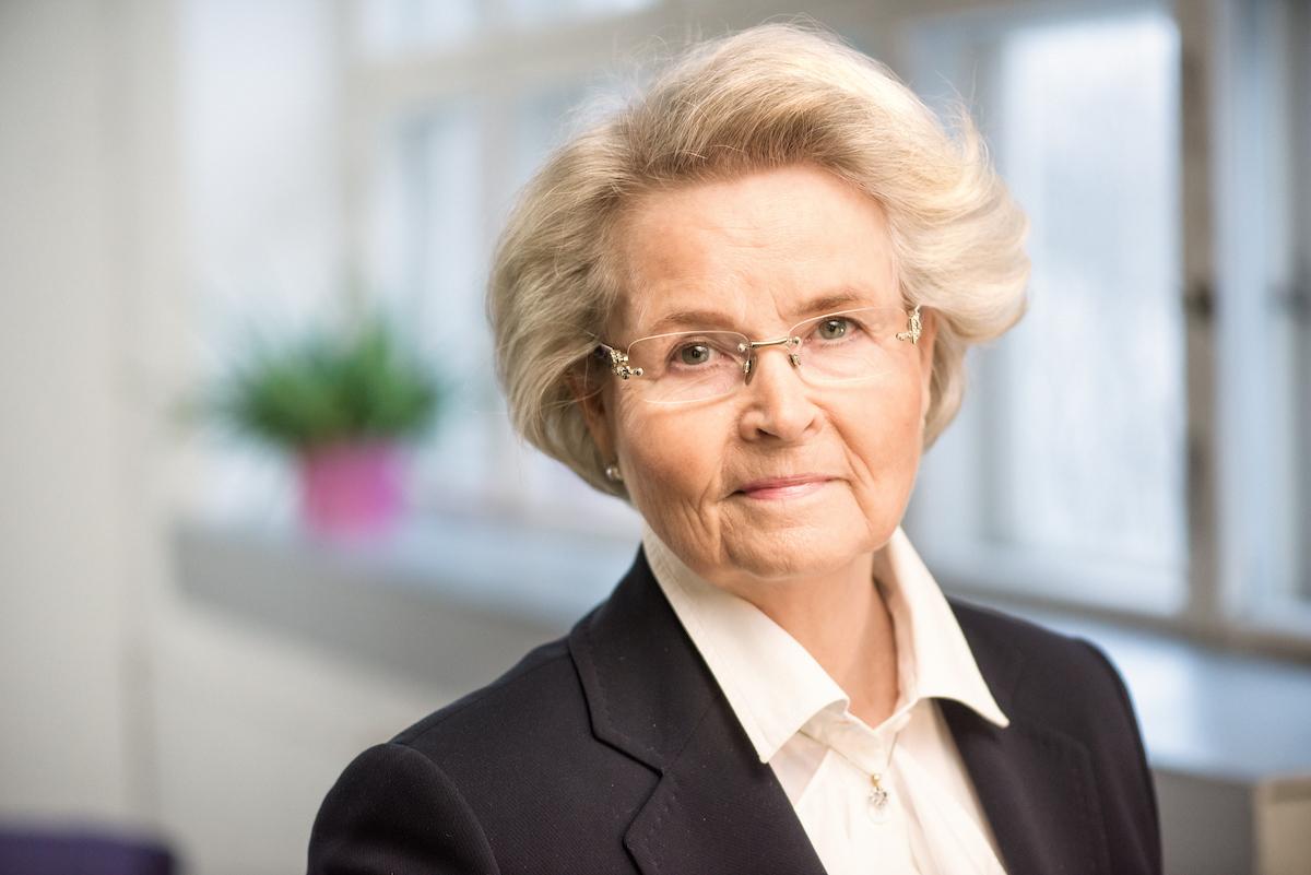 Irja Tulonen : kunnallisneuvos, sairaanhoitaja